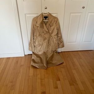 PRICE DROPPED | Gold trench coat